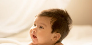 Un bebé nacido tras una inseminación artificial.