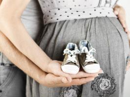Una pareja que ha logrado el embarazo